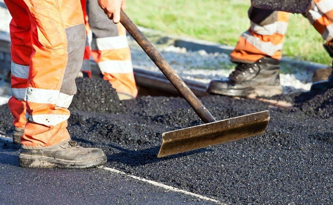 How are lines painted on Roads? | West York Paving